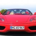 Rød Ferrari bil