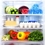 Køleskab fyldt m ed sunde madvarer