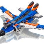 Lego - jagerfly bygget af legoklodser